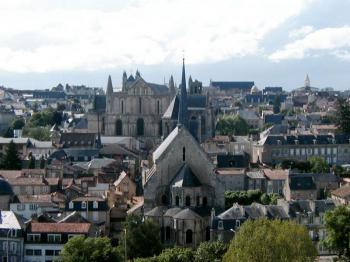 Poitiers - krásné středověké město - Poitiers