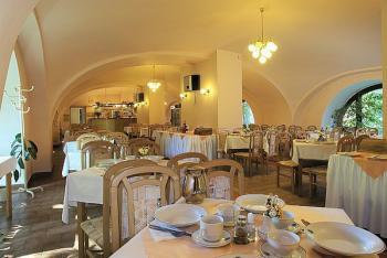 Restaurace, Hotel Libuše, Ubytování lázně Poděbrady