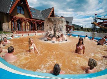 Bešeňová, bazény s geotermální vodou